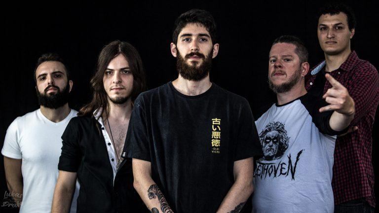 Lucas Prado, Ivan Landgraf, Thiago Pereira, Guilherme Calegari e Alexandre Bonal trabalharam com Rogerio Wecko (Dual Noise) em 'Defiant'