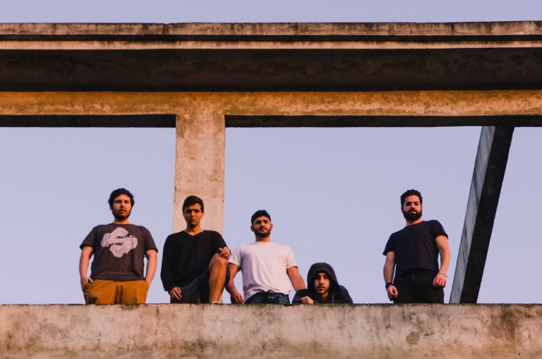 Novo EP do grupo sai em outubro pela Abraxas Records