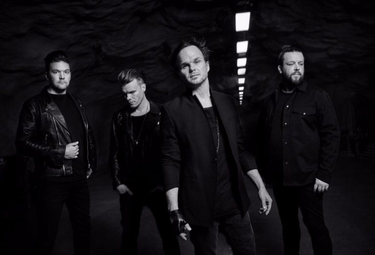 Bem-sucedida banda finlandesa está na estrada promovendo o elogiado novo álbum 'Dark Matters'