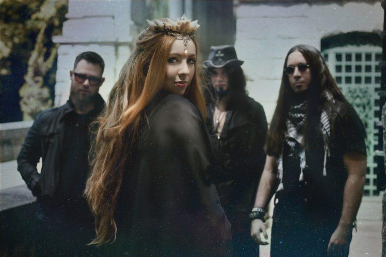 Lyria, banda liderada pela vocalista Aline Happ, que teve o último disco financiado pelos fãs através de crowdfunding