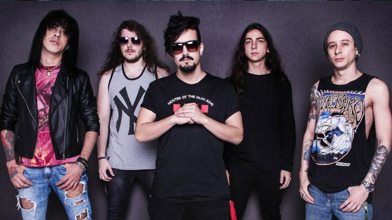 """""""A Hora é Essa"""" traz referências da música country atual americana, mas mantém a pegada rock do grupo paulistano"""
