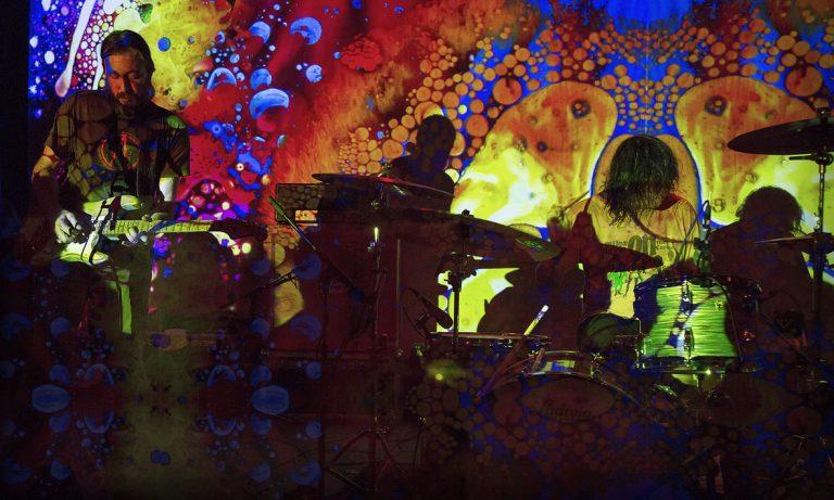 Power trio norte-americano faz 11 shows na América Latina