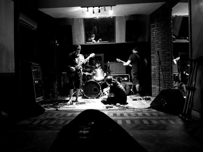 Banda carioca estreia na Abraxas Records com registro de músicas densas e reflexivas