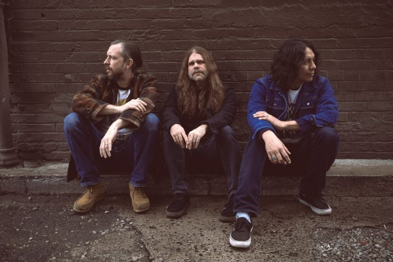 Trio norte-americano conversa com fãs e assina discos no dia 31/10 em São Paulo