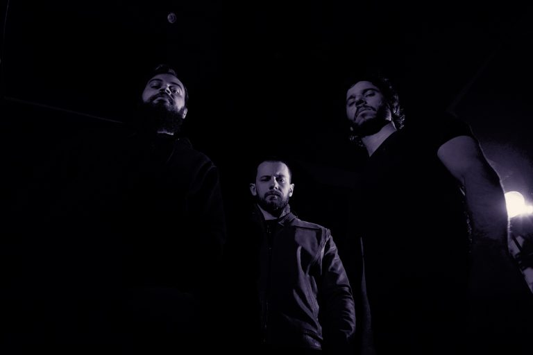 Banda lança single com parceria de Jens Bogren