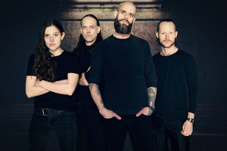 Banda norte-americana que já se apresentou nos principais festivais do Mundo, foi extremamente elogiada por James Hetfield, do Metallica