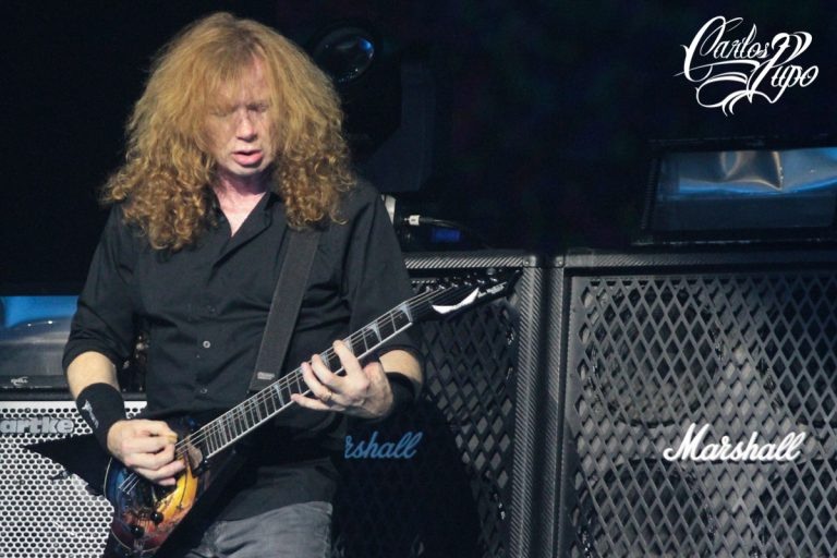 Mustaine divulgou hoje nas redes sociais que foi diagnosticado com câncer na garganta