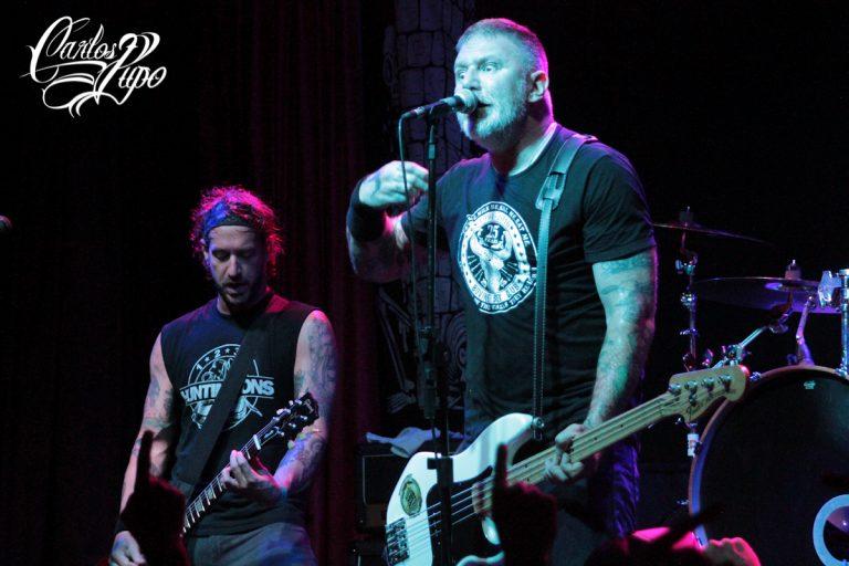 Ex-baixista dos Ramones vai tocar clássicos dos Ramones e o melhor de sua carreira solo