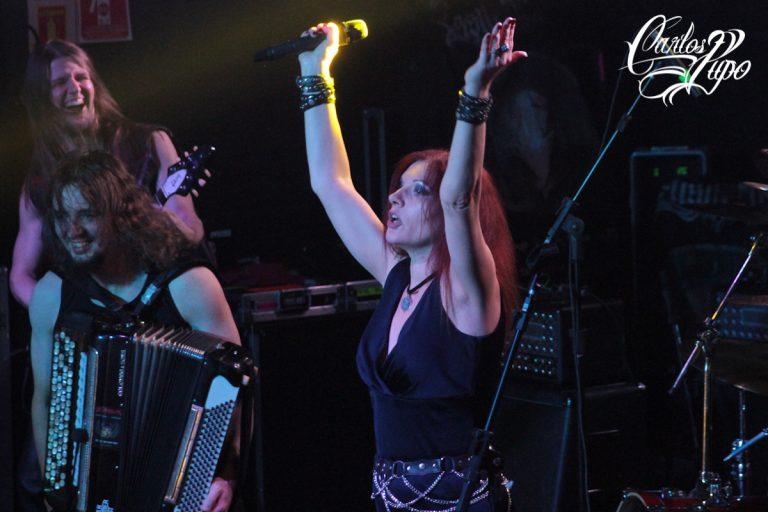 A banda russa Kalevala se apresenta durante o Dark Dimensions Folk Festival 2017, no Carioca Club, zona oeste de São Paulo, no domingo, 19 de novembro.