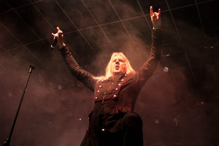 Saxon anuncia novas datas da turnê pela América Latina