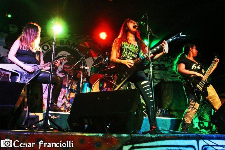Sinaya apresenta-se no Guaru Extreme Fest, no Don Ramon Rock Bar, que teve apoio da Associação Cultural Rock Guarulhos
