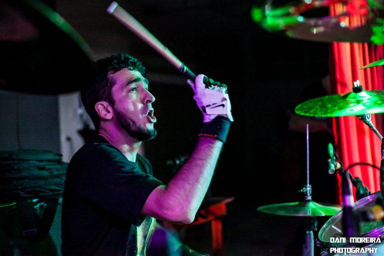 Hellish War no palco do Guaru Metal Fest