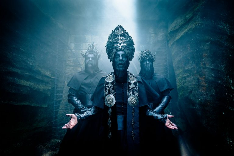 Behemoth compartilha o vídeo de 'Shadows Ov Ea Cast Upon Golgotha'