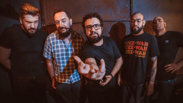 Mocho Diablo lança lyric video com temática arcade