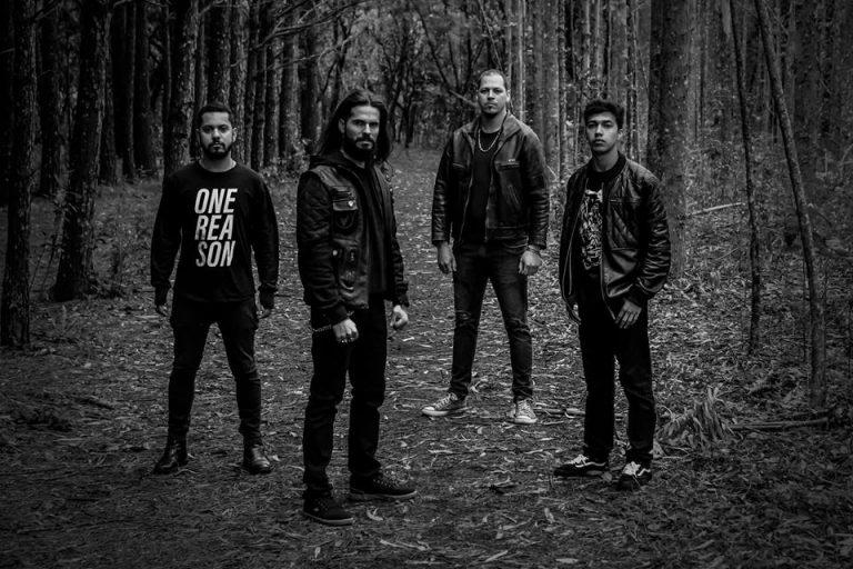 Doomsday Hymn lança promoção sobre novo single