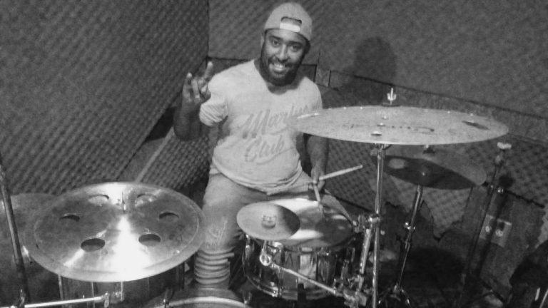 Attrack anuncia oficialmente seu novo baterista