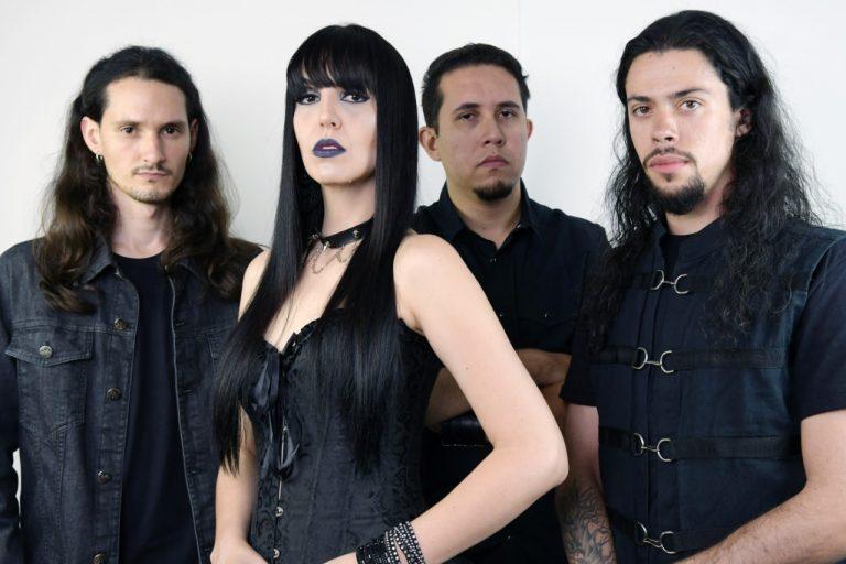 Hamen é formada por Cadu Puccini (guitarra), Gabriel Pedroso (bateria), Monica Possel (voz), e Matheus Maia (baixo)