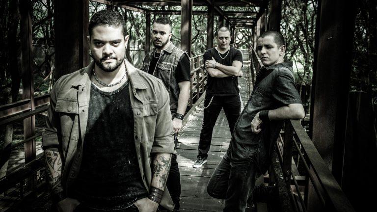 Banda aposta no power metal clássico em álbum de estreia,