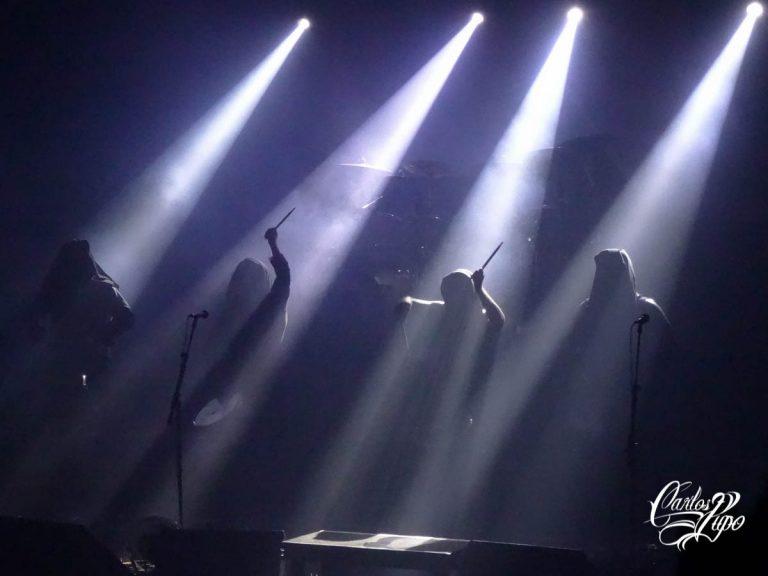 A banda polonesa Behemoth se apresenta na noite deste domingo, 08 de Dezembro de 2019, na casa de shows Tropical Butanta, na zona oeste da capital paulista. No repertório, o grupo trouxe clássicos da carreira e as principais composições do novo álbum