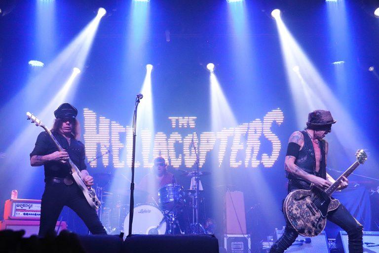 The Hellacopters contagia o público com o bom rock and roll em São Paulo