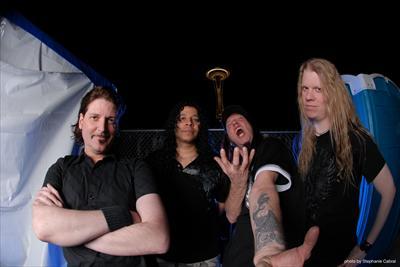 """Memory Remains: Nevermore – 11 anos de """"The Obsidian Conspiracy"""", o capítulo final de uma banda que inovou"""
