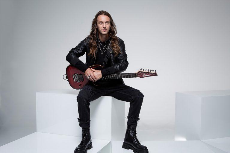 Mark Jansen (Epica): 'Acho que Omega é o melhor (álbum) em todos os sentidos. A palavra-chave foi equilíbrio.'