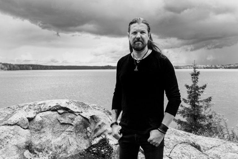 Silver Lake by Esa Holopainen lança novo single 'Ray Of Light'